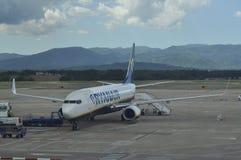 Avion de passagers sur un aérodrome Photos libres de droits