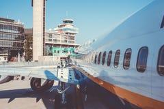 Avion de Ryanair de ligne aérienne de coût bas sur le macadam Photo libre de droits