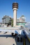 Avion de Ryanair de ligne aérienne de coût bas sur le macadam Photographie stock libre de droits