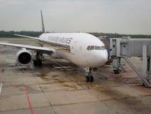 Avion de Singapore Airlines Image stock