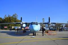 Avion de transport An-26 militaire Images libres de droits