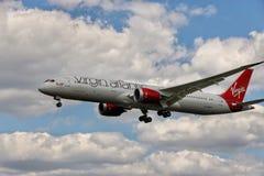 Avion de Virgin Atlantic photographie stock