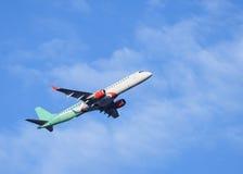 Avion en ciel Photos stock