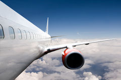 Avion en vol photographie stock libre de droits