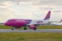 Avion HA-LWX de Wizzair Images libres de droits