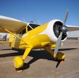 Avion jaune Photographie stock libre de droits