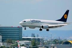 Avion Lufthansa, aéroport Autriche de Vienne images libres de droits