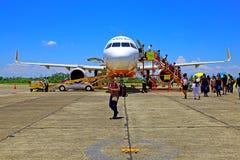 Avion Pacifique de Cebu à l'aéroport de tuguegarao, Philippines Photo libre de droits