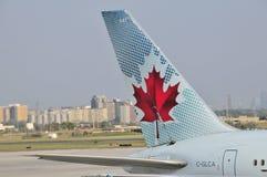 Avion prêt à décoller Photos libres de droits