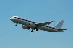 Avion sur le décollage Image libre de droits
