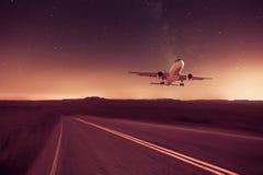 Avion sur le fond abandonné Photos libres de droits