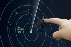 Avion sur le radar images libres de droits
