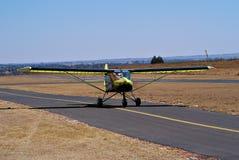 Avion ultra-léger de guépard - décollage Photos libres de droits