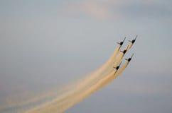 Aviones acrobáticos ahumados Foto de archivo libre de regalías