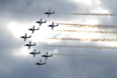 Aviones acrobáticos en la formación Fotos de archivo libres de regalías