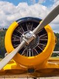 Aviones amarillos del propulsor del vintage Imagen de archivo libre de regalías
