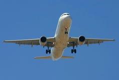 Aviones comerciales Imágenes de archivo libres de regalías