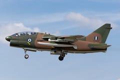 Aviones de ataque helénicos del corsario II de la fuerza aérea LTV TA-7C de la fuerza aérea griega foto de archivo