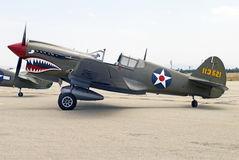 Aviones de combate de Curtiss Wright P-40E Kitty Hawk Foto de archivo