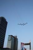 Aviones de combate sobre Amsterdam Fotos de archivo libres de regalías