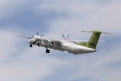Aviones de la rociada 8 de AirBaltic de Havilland Canadá DHC-8-402Q Imagen de archivo