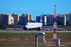 Aviones de pasajero de las líneas aéreas del SAS Scandanavian que sacan en el aeropuerto de Alicante Imágenes de archivo libres de regalías