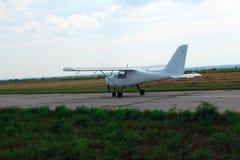 Aviones del deporte en la pista Imagen de archivo libre de regalías