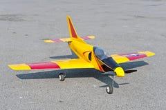 Aviones del juguete del control de radio con el motor eléctrico Fotos de archivo