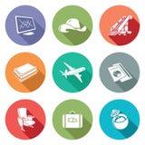 Aviones e iconos del vuelo fijados Ilustración del vector libre illustration