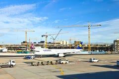 Aviones en el delantal Foto de archivo