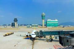 Aviones en Hong Kong International Airport foto de archivo libre de regalías