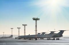 Aviones en la pista Fotografía de archivo libre de regalías