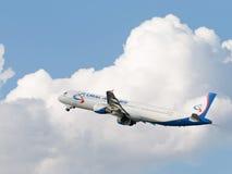 Aviones grandes Airbus A321-211 Ural Airlines Foto de archivo libre de regalías