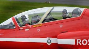 Aviones rojos del halcón del equipo de la exhibición de las flechas, jet rápido moderno Foto de archivo libre de regalías