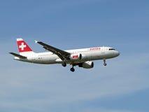 Aviones suizos de las líneas aéreas Foto de archivo libre de regalías