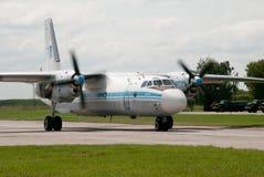 Aviones, transporte de la luz Fotos de archivo