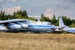 Aviones viejos en el aeródromo abandonado Fotografía de archivo libre de regalías