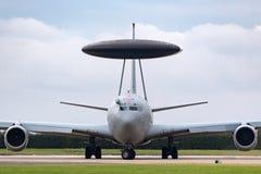 Aviones ZH101 del AWACS de la detección temprana aerotransportada del centinela de Royal Air Force RAF Boeing E-3D en la estación Foto de archivo