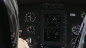 Avionicsinstrumentutrustningpanel på helikopterbräde royaltyfria bilder