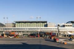 Avions à Hambourg sur le terminal 2 Images libres de droits