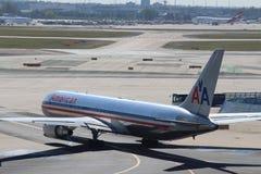 Avions à l'aéroport de Francfort Image libre de droits