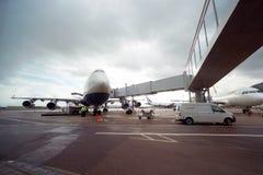 Avions à réaction de British Airways dans l'aéroport de Domodedovo de Moscou Image stock