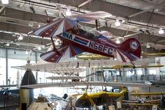 Avions accrochants dans les frontières du musée de vol Photos libres de droits