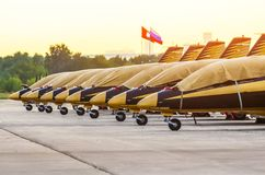 Avions acrobatiques aériens de Team Al Fursan moscou Aéroport Zhukovsky 20 JUILLET 2017 Images libres de droits