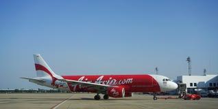 Avions civils se garant à l'aéroport de Don Muang International Photographie stock libre de droits