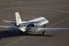Avions d'affaires d'Excel de citation de Cessna 560XLS fonctionnant sur la piste Photos libres de droits