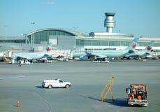 Avions d'Air Canada photographie stock libre de droits