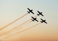 Avions d'Airshow dans la formation photographie stock libre de droits