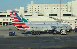 Avions d'American Airlines aa au MIA d'aéroport international de Miami Photographie stock