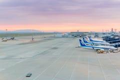 Avions d'ANA dans l'aéroport international Japon de Chubu Centrair Image libre de droits